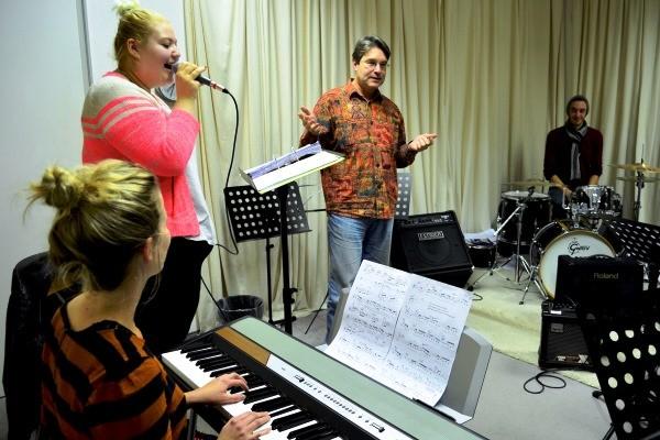 Volker Giesek als Bandworkshop-Leiter